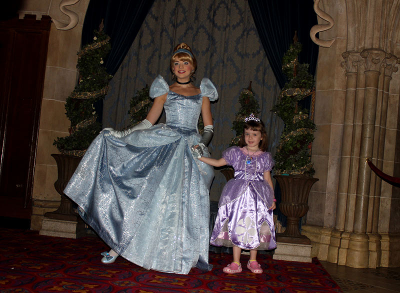 disney-cinderella-photo-op
